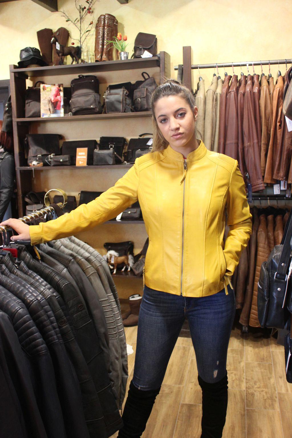 Modelo: PAULINA AMARILLO